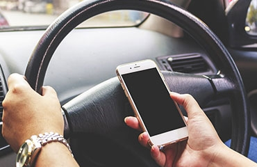 Drivers unaware of fines for mobile use behind wheel